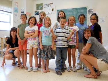 Stephanie with one of her art classes.